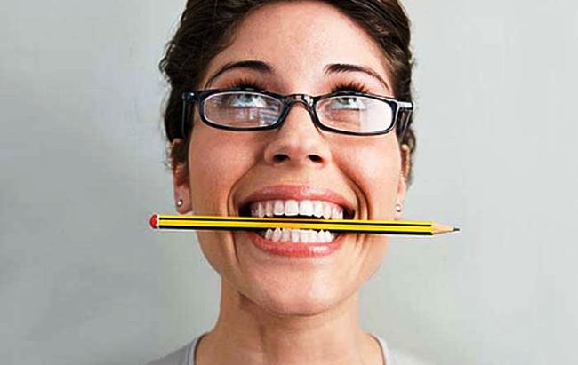 נשיכת עיפרון נגד כאב ראש