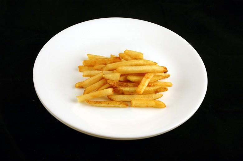 איך 200 קלוריות נראות בכל מיני מאכלים? צ'יפס
