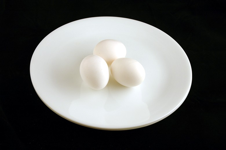 איך 200 קלוריות נראות בכל מיני מאכלים? ביצים