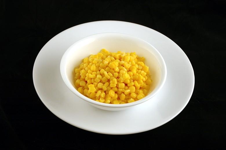 איך 200 קלוריות נראות בכל מיני מאכלים? תירס