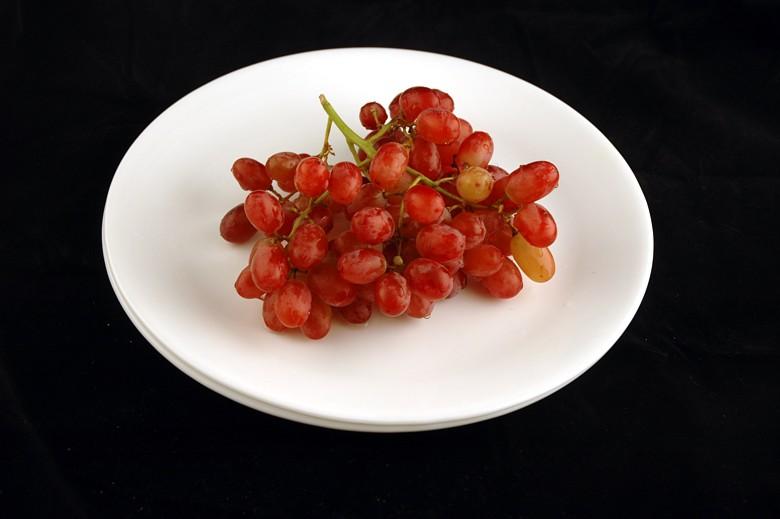 איך 200 קלוריות נראות בכל מיני מאכלים? ענבים