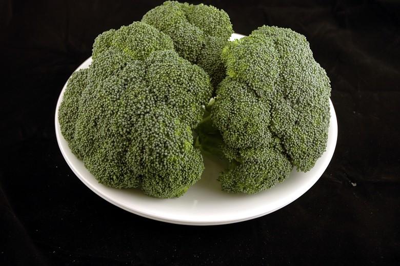 איך 200 קלוריות נראות בכל מיני מאכלים? קולורבי