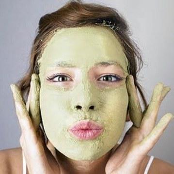 מסכת פנים לעור שומני